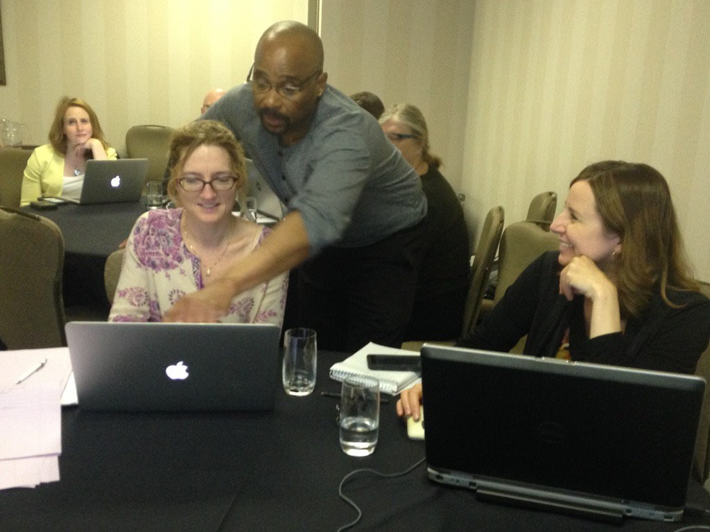 It was a pleasure conducting a great journalism session with Andrew McIntosh @AndrewMaco and Fred Vallance-Jones @Fvjones. Fran Yanor (left) and Andrea Huncar @andreahuncar were among the many participants who learned spreadsheets and pivot tables.