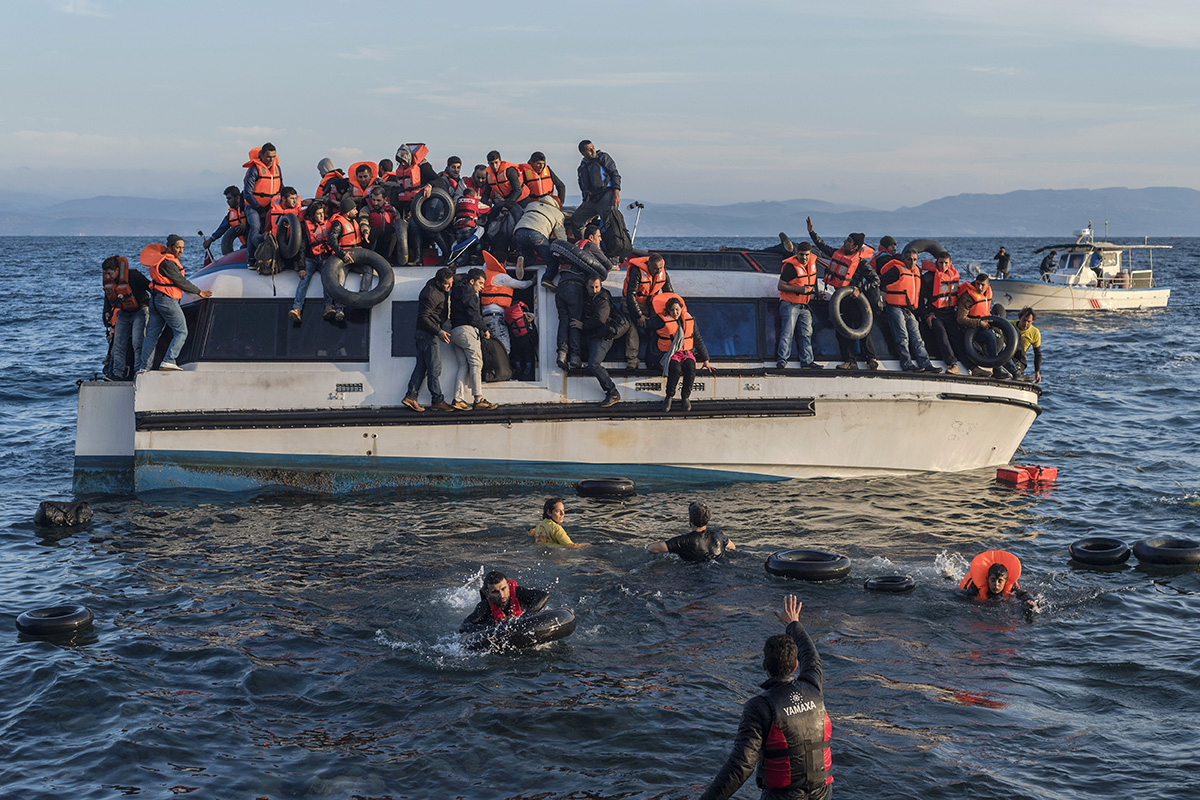 Syrian and Iraqi refugees arrive on the island of Lesvos in Greece. (CC BY-NC-SA 2.0)
